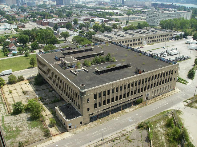 The abandoned Detroit Public Schools Book Depository - Horror